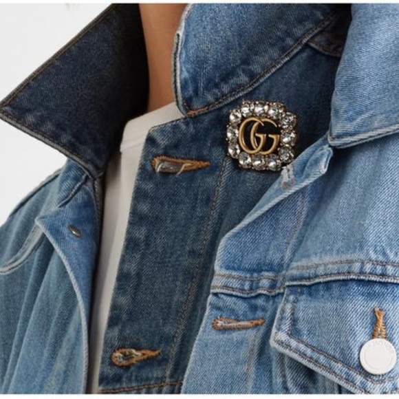 4d531aee3 Gucci Jewelry   New Gold Tone Gg Logo Crystal Brooch   Poshmark